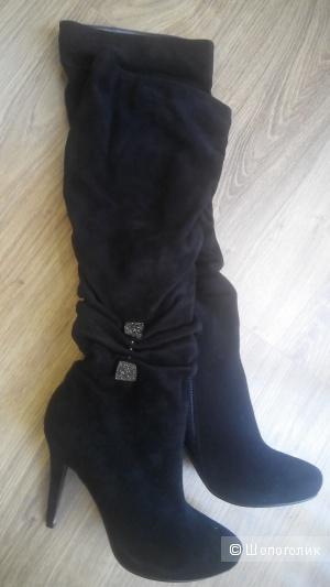 Шикарные кожаные сапоги итальянского бренда Giorgio Vasari, 37 размер,черный цвет