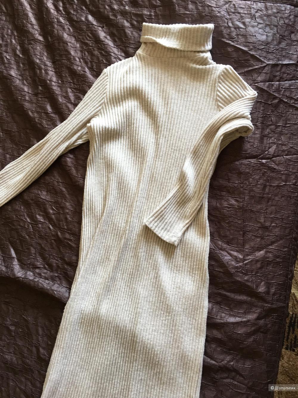 Тёплое платье Bershka. Размер 42-44