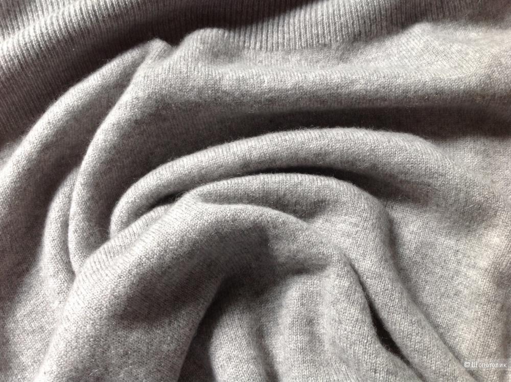 Кашемировое платье Repeat, размер 40 на 42-44.