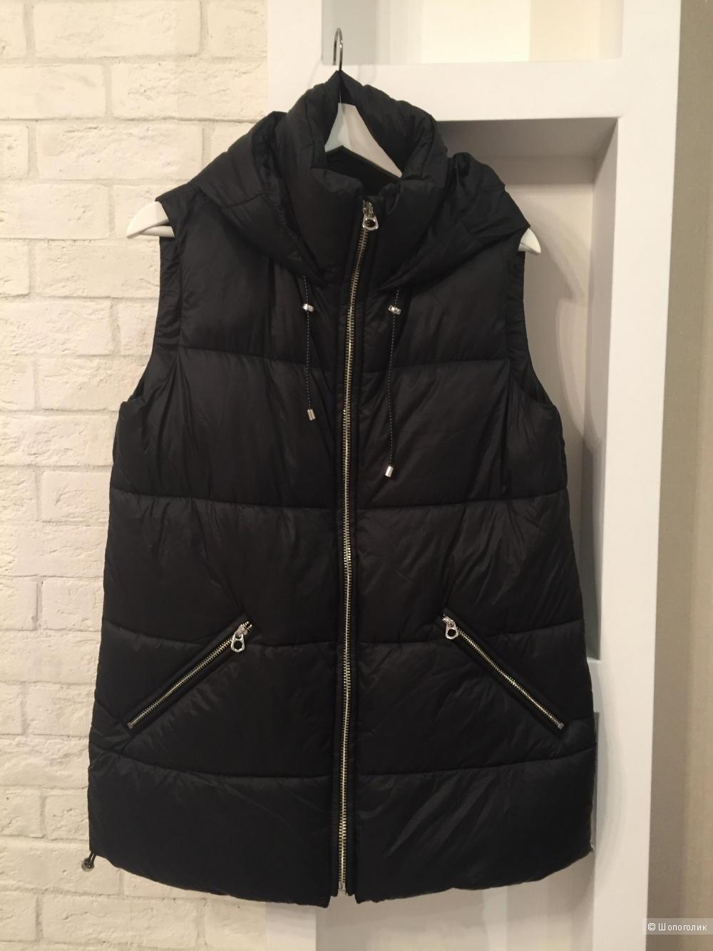 Черный жилет с капюшоном zara размер S