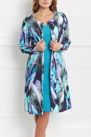 Яркое летнее пальто 44 размера