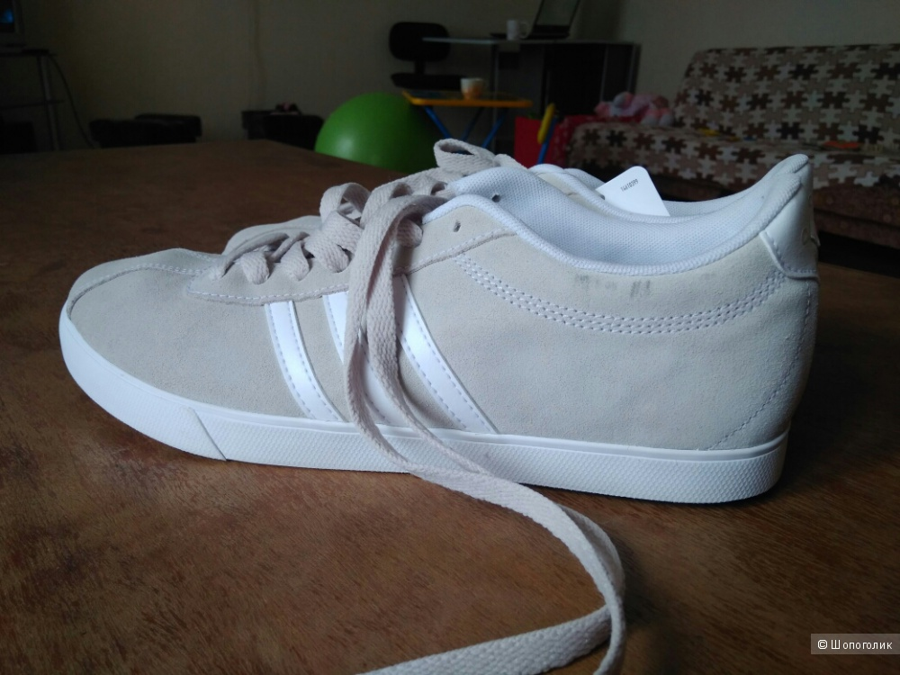 Продам новые кеды Adidas модель courtset размер 41