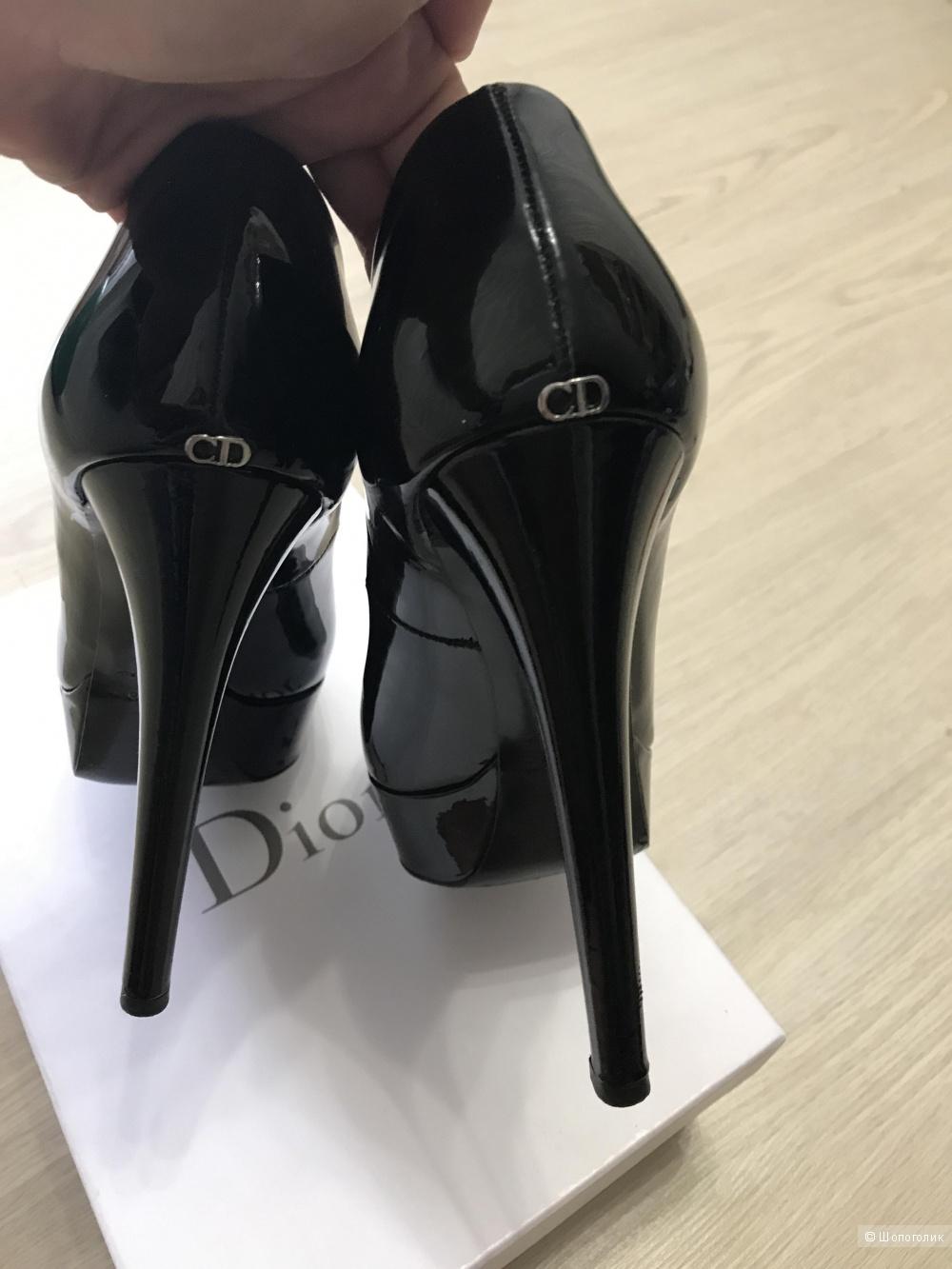 Шикарные туфли Dior размер 40
