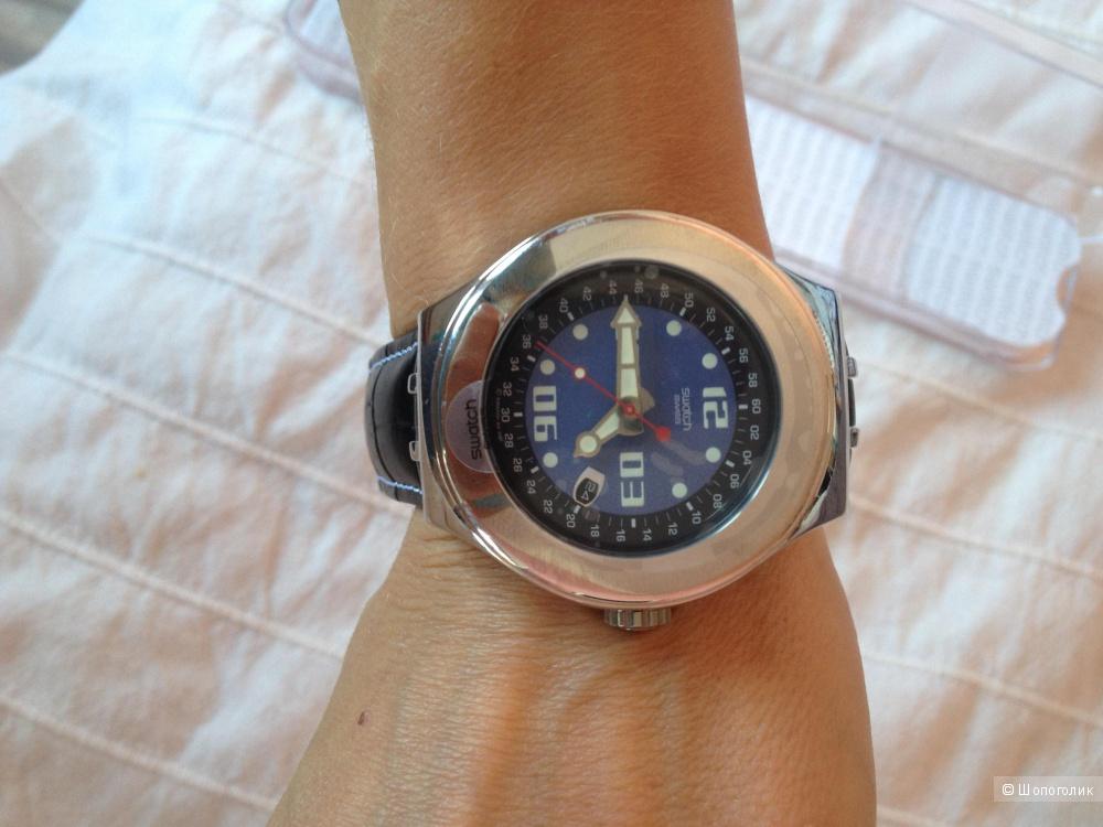 Новые часs Swatch, на кожаном ремешке