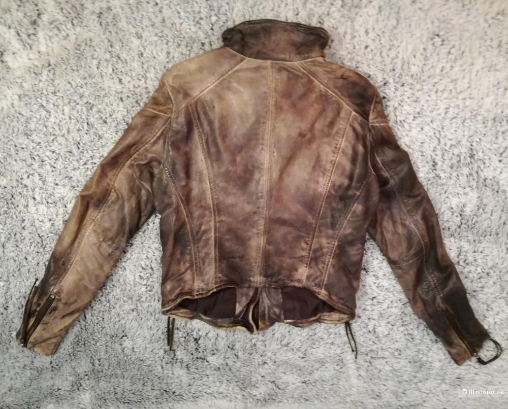 Muubaa куртка кожаная 42 размер