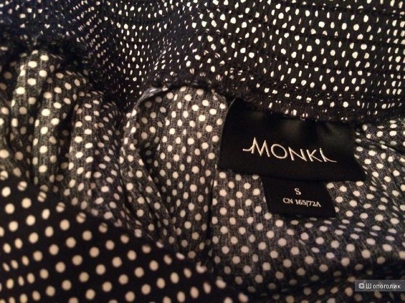 Расклешенная юбка в горошек Monki S