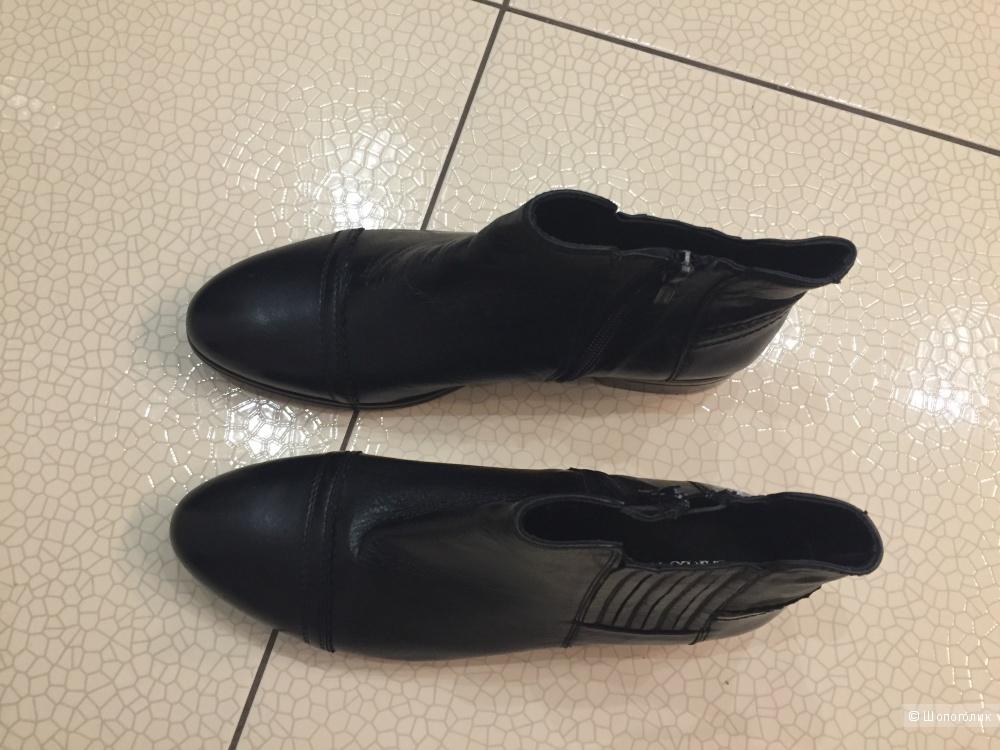 Ботинки женские Carlo Pazolini р 38