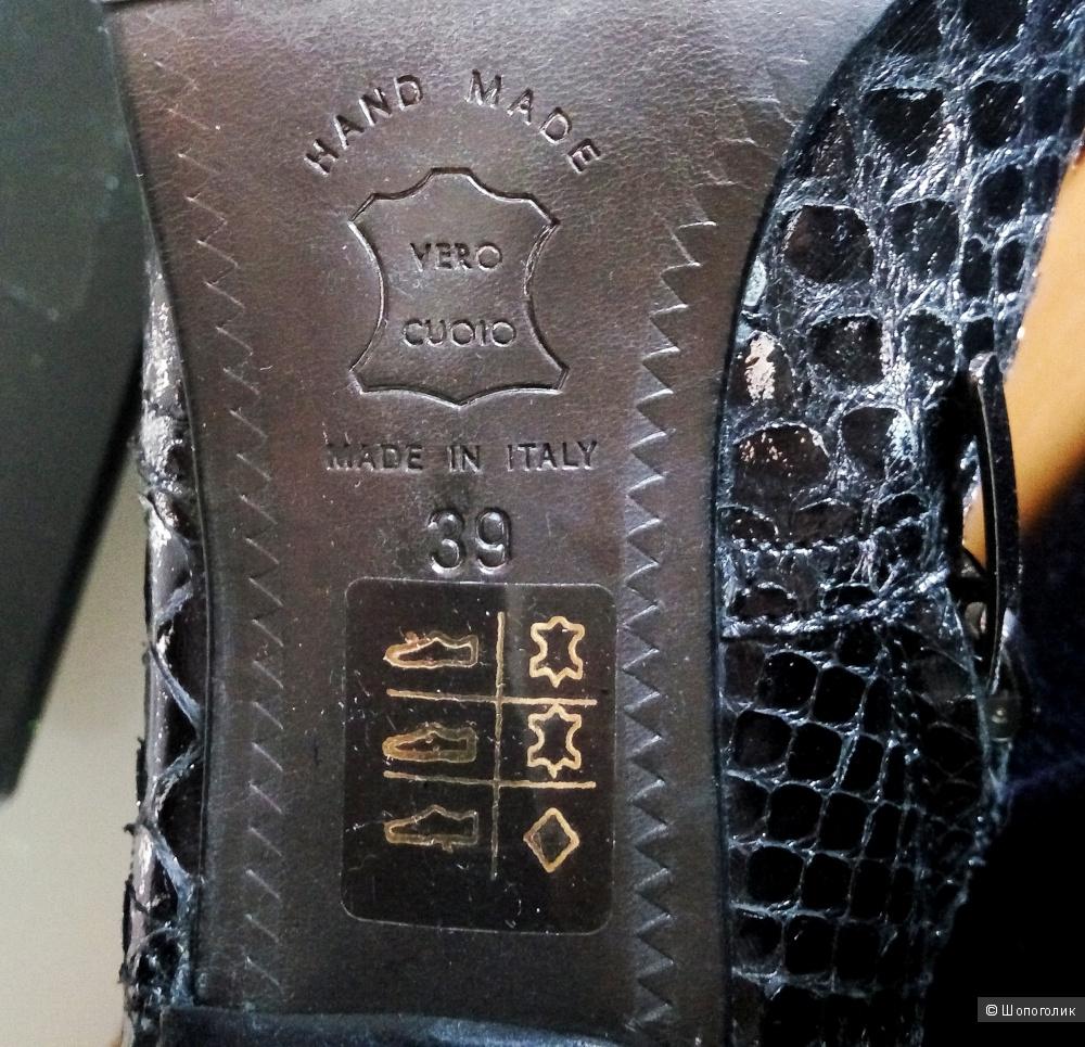 Полусапожки кожа питона vero cuoio Италия 39 размер