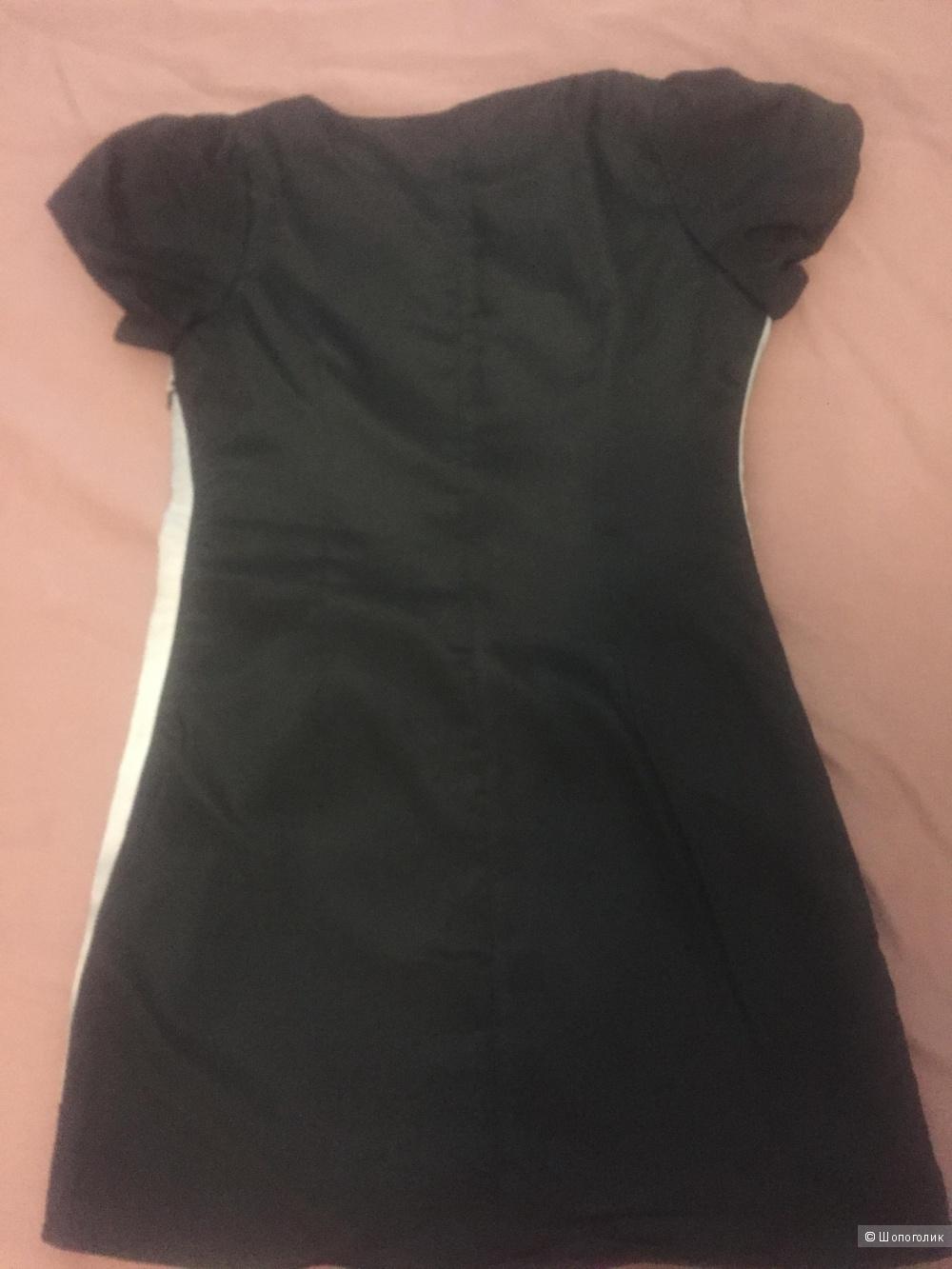 Платье Moschino 42 р