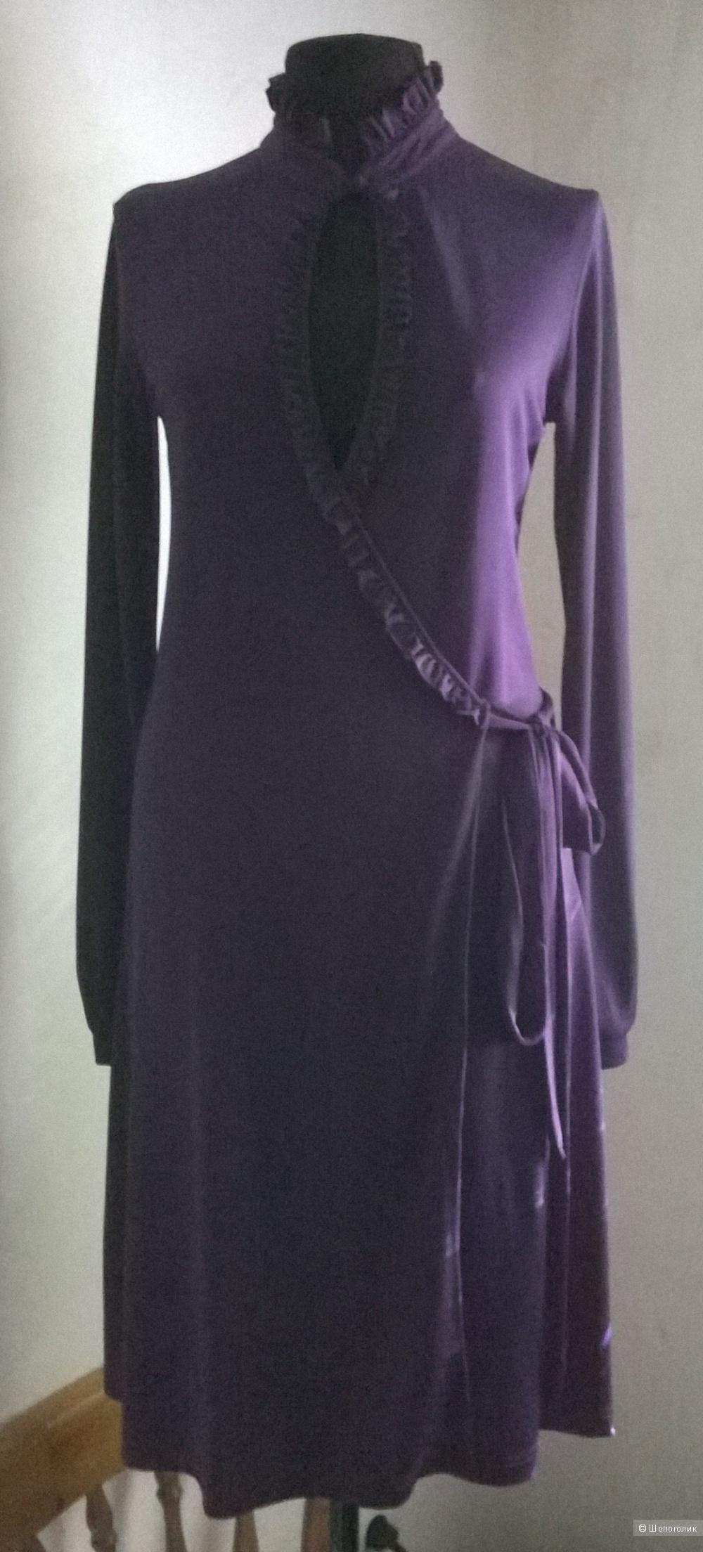 Платье трикотажное размер М (44) б/у