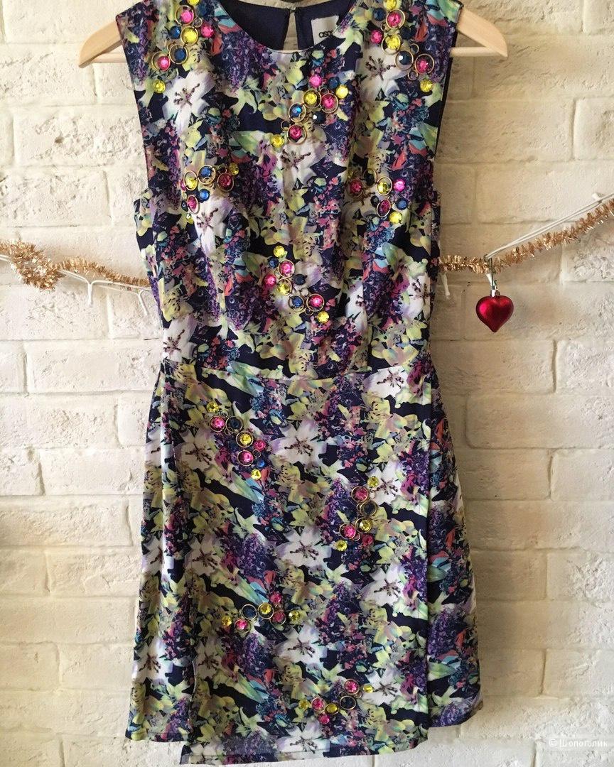 Новое платье с этикеткой  ASOS, размер S