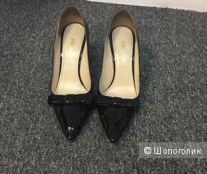 Туфли лаковые Prada 39 размер