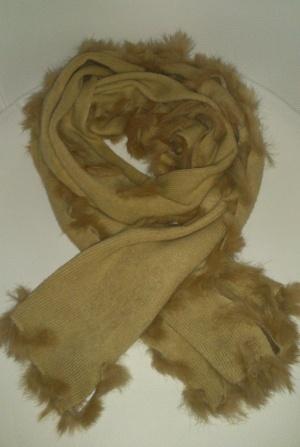 Шарф  с декором из меха кролика, размер 150х28