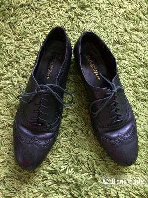 Туфли черные кожаные 40-41размер