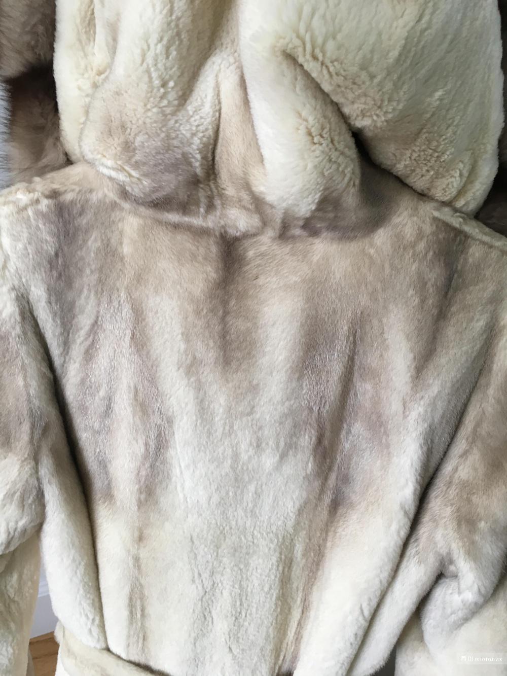 Норковая шуба с воротником капюшоном из соболя