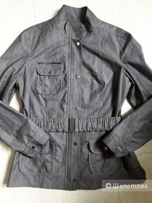 Легкая куртка Calvin Klein 44-46