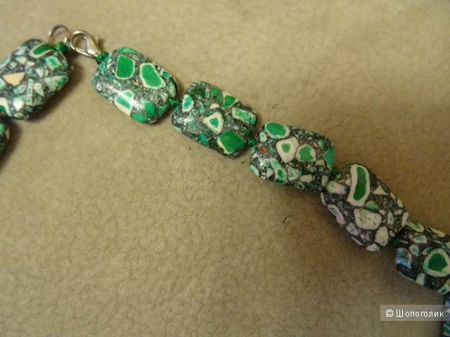 Ожерелья из натуральных камней в комплекте, б/у