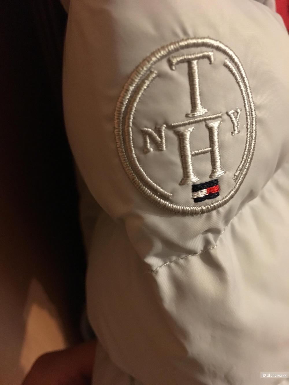 Серый пуховик Tommy Hilfiger размер XS
