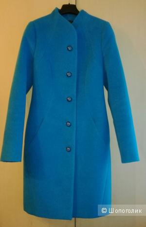 Пальто приталенное  Bella collection 42 размера.