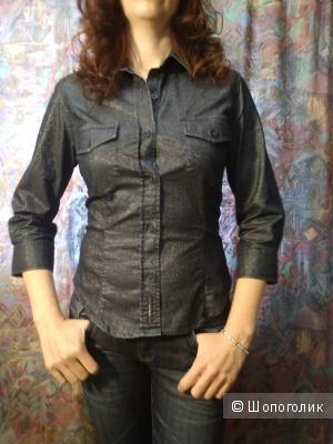 Стрейтч-рубашка под джинсу с переливающимся блеском GUESS р42
