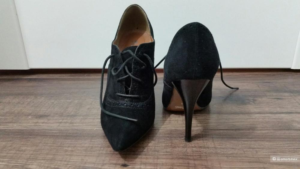 Черные, замшевые ботильоны на шнурках P.Cont, 36 размера.