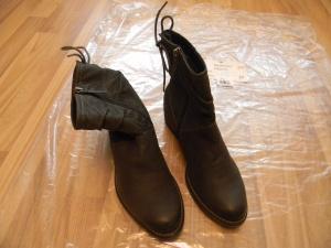 Ботинки женские новые,Tamaris, 39 размер