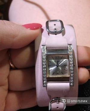 Часы GUESS., б\у