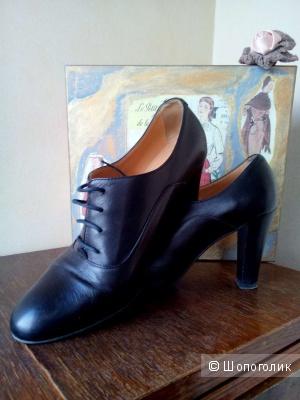 Ботинки кожаные. Италия 39,5 неполный 40