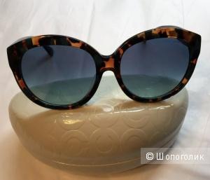 Солнечные очки COACH