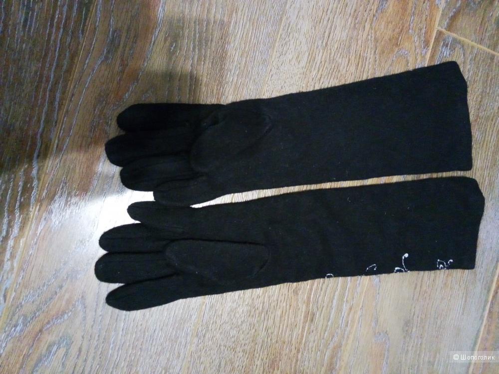 Перчатки шерстяные с вышивкой размер 7