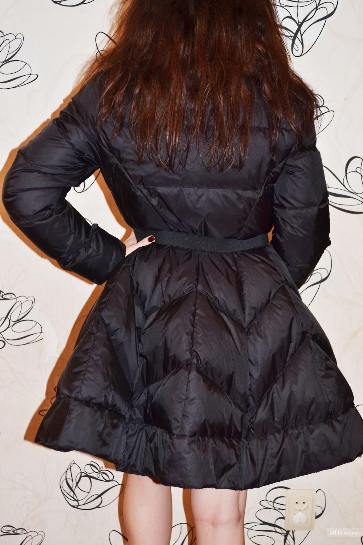 Новое пуховое пальто на р.46-48 в стиле Одри