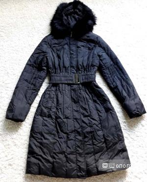 Чёрное пуховое пальто 46 размер