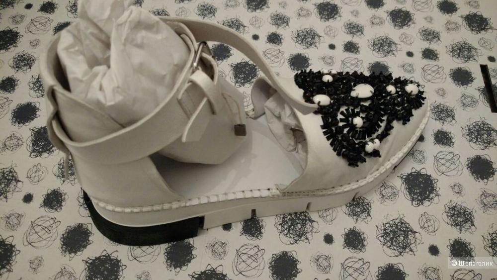 Новые туфли/босоножки CINZIA ARAIA 40IT на стопу +-27 см