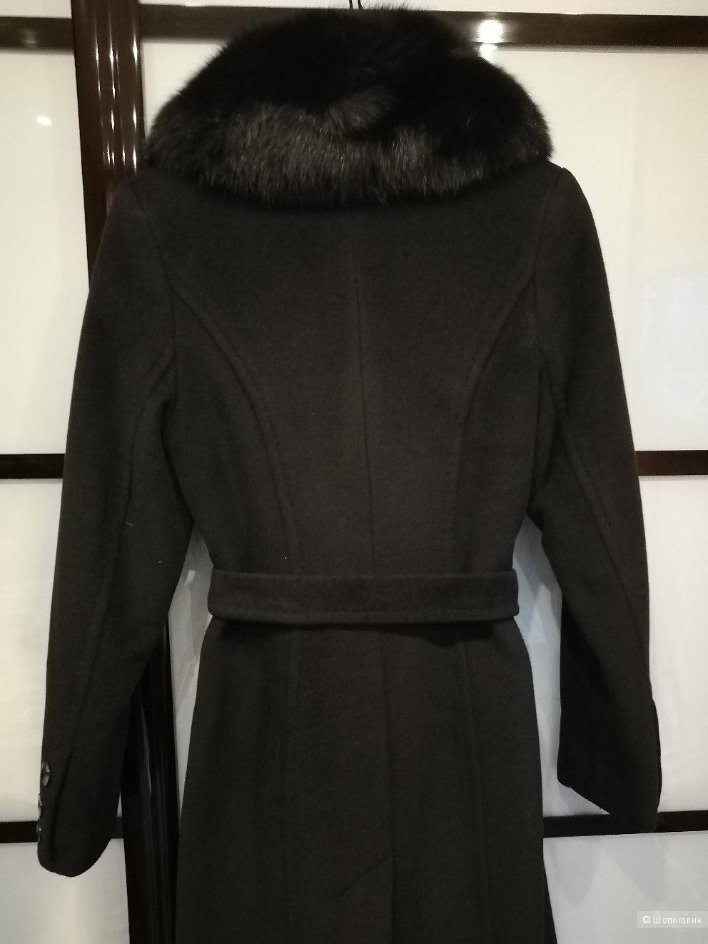 Зимнее драповое пальто (шерсть) с воротником из песца размер 44