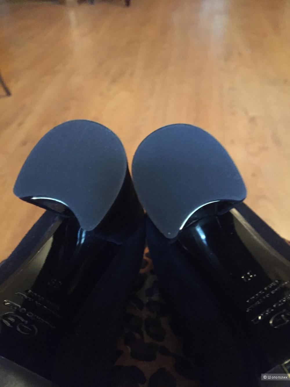 Замшевые туфли на каблуке Alberto Gozzi 38,5