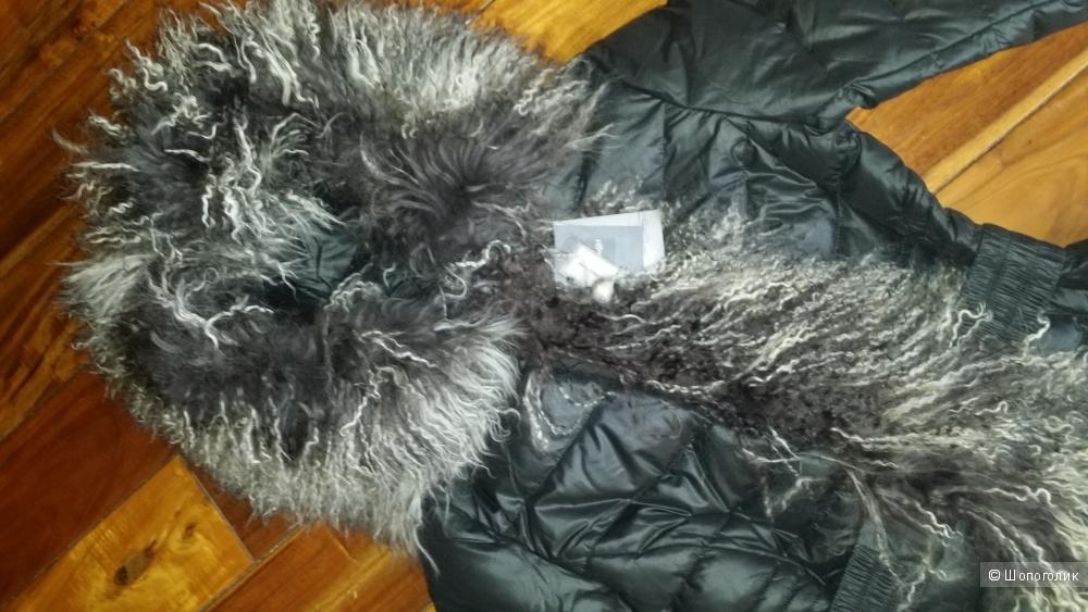 Черный пуховик Chiago с мехом ламы, размер М