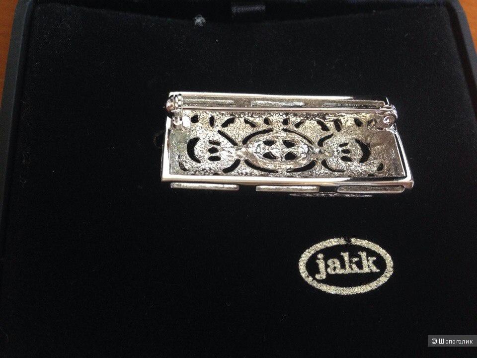 Брошка из серебристого металла с камушками Jakk