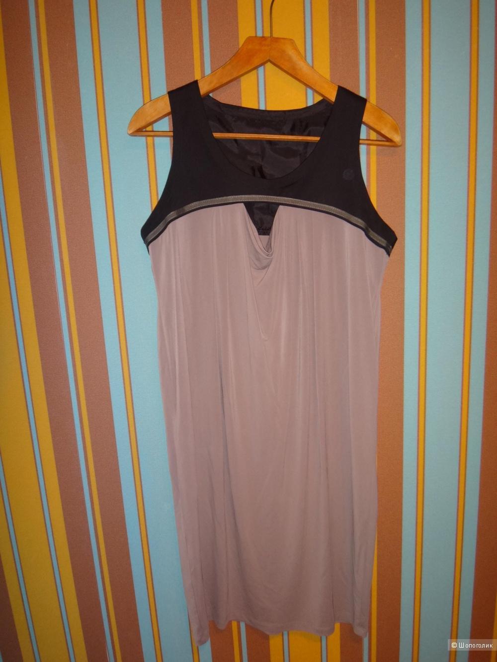 Платье с накидкой 46-48  размер Италия