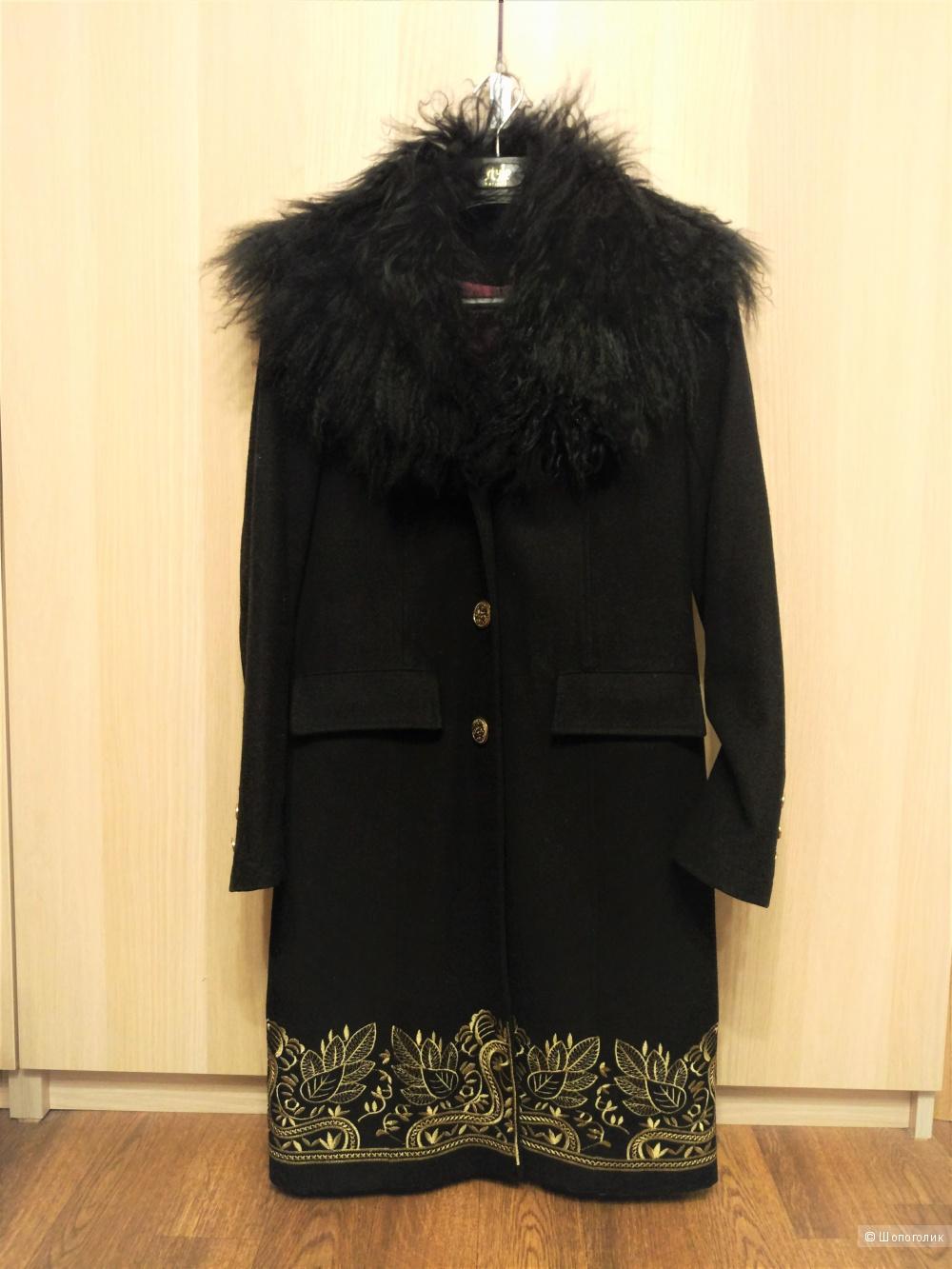 Пальто  Zarina 42 размер (XS-S)