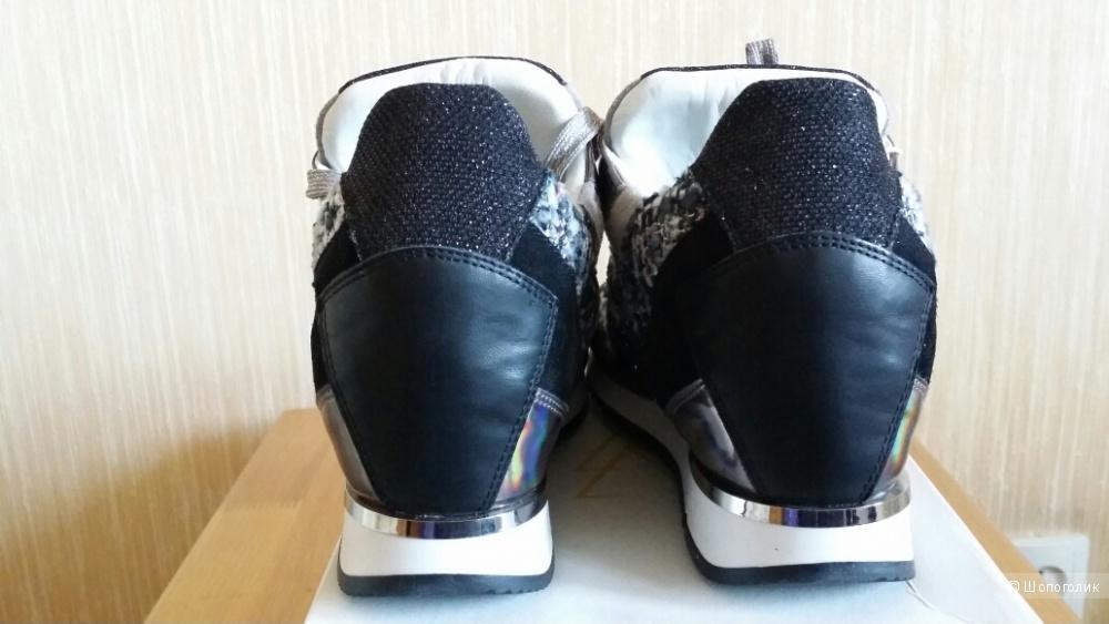 Кроссовки Elena Iachi размер 39 (на российский 38) новые