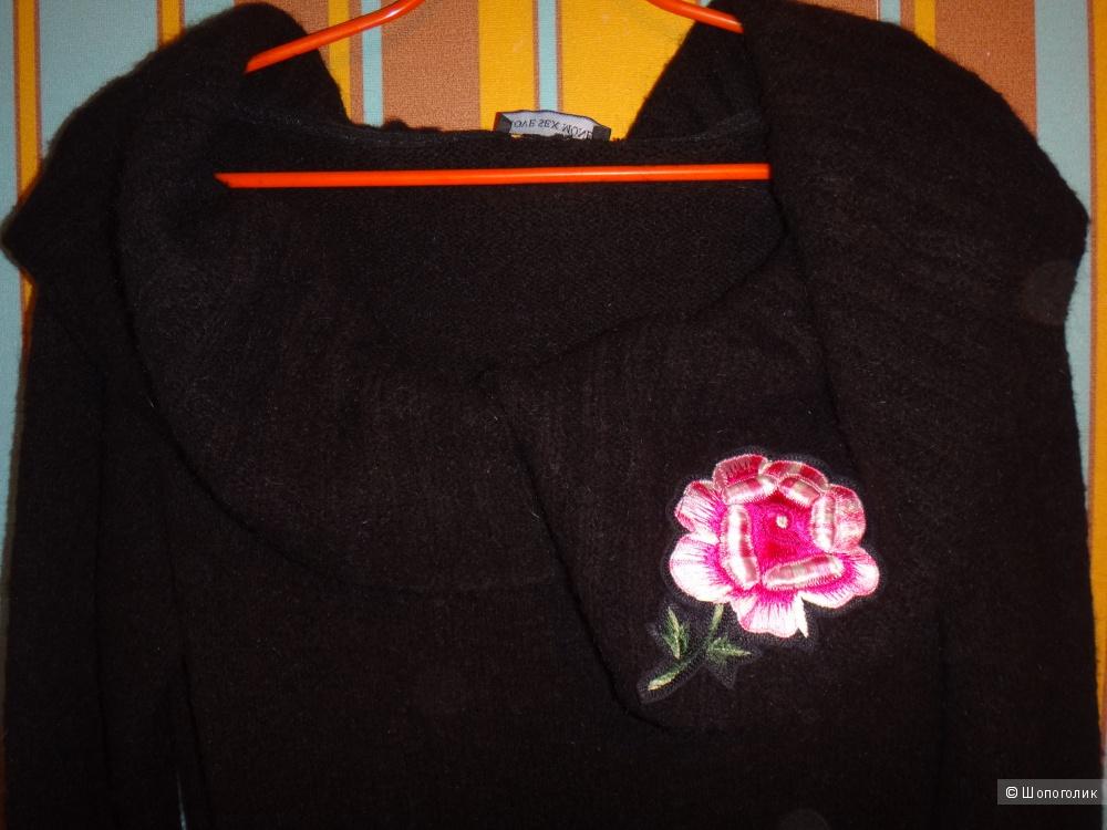 Платье вязанное размер 44-46  Love sex monex Италия
