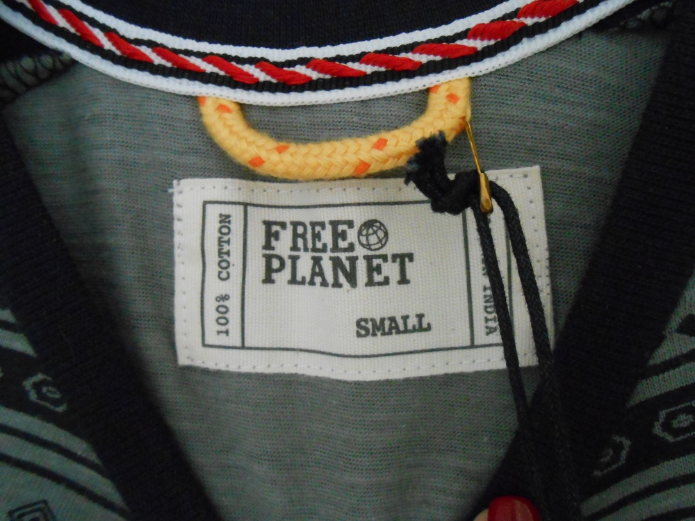 Новая футболка FREE PLANET р.S-M
