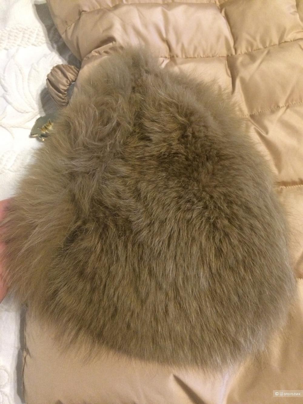 Пуховый жилет с натуральным песцом, размер s
