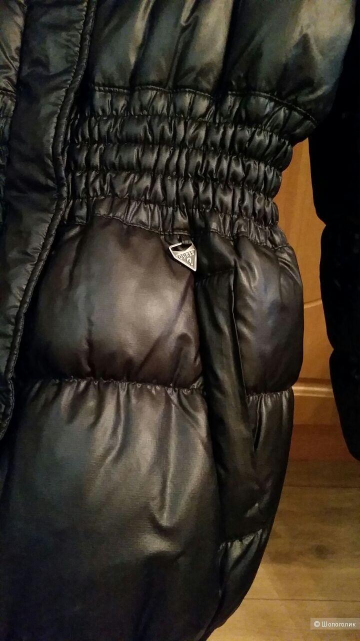 Пуховик Guess, 44 размер