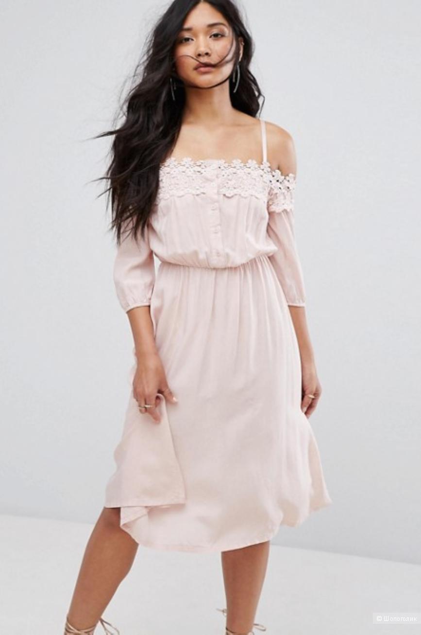 Платье с открытыми плечами и кружевной вставкой Boohoo UK 8