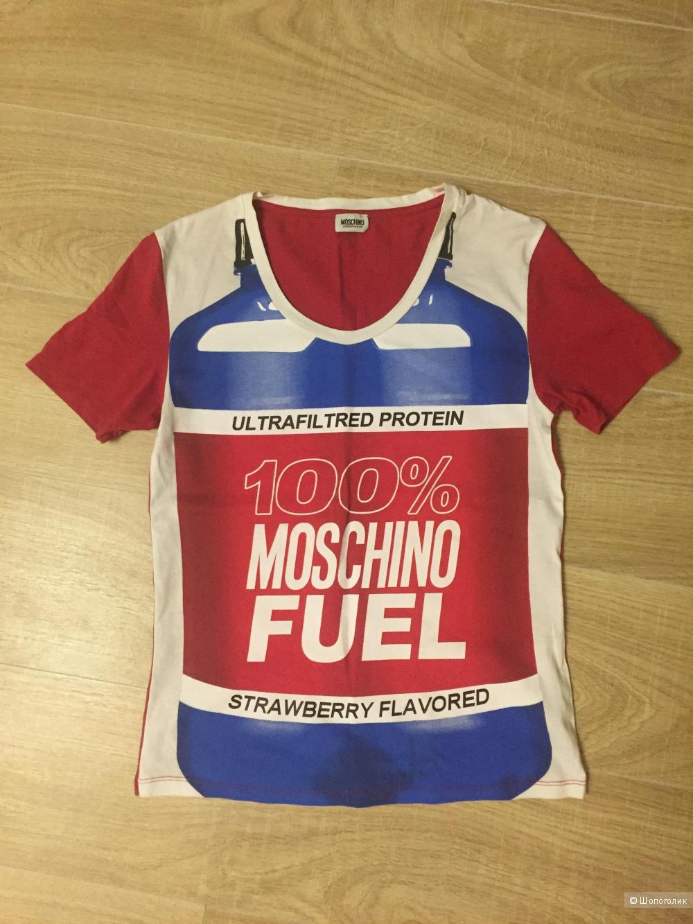Футболка Love Moschino размер S.
