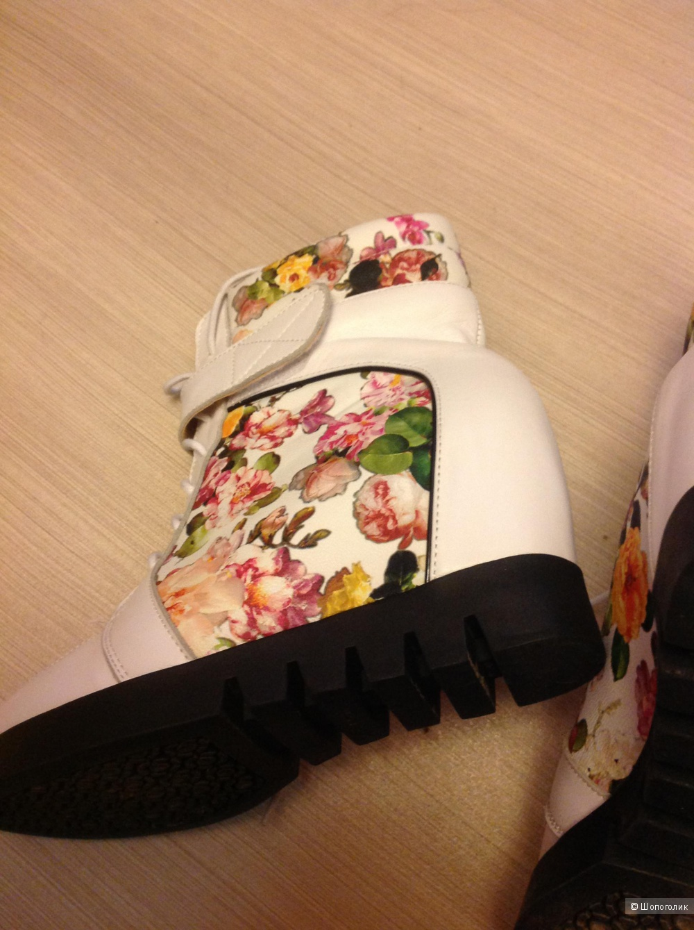 Ботинки жен., с орнаментом, разм. 38