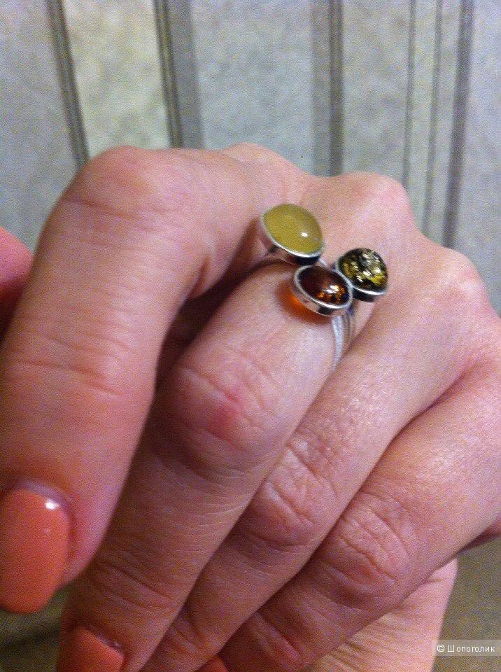 Кольцо серебро, вставка - янтарь.