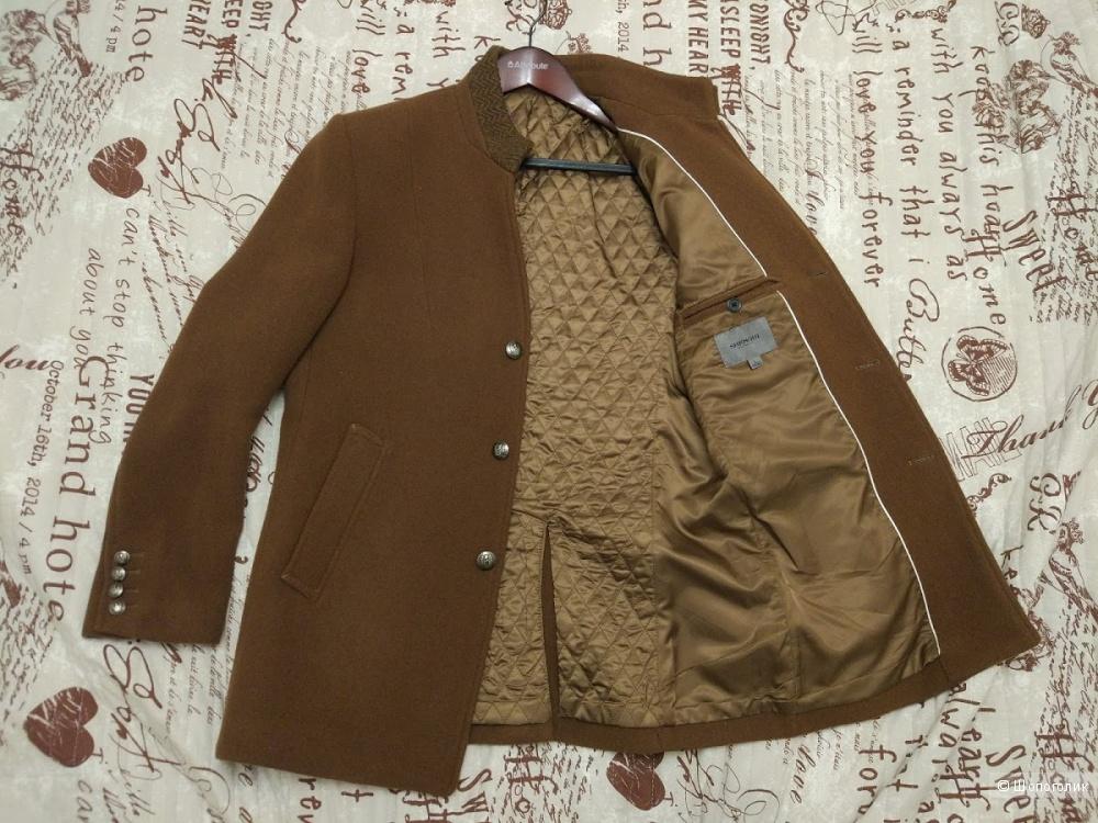 Стильное мужское пальто 48 размера