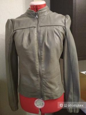 Куртка женская pull and bear, 42 размер